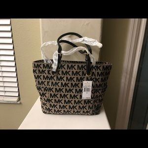 Michael Kors E/W signature tote.  New with Tags